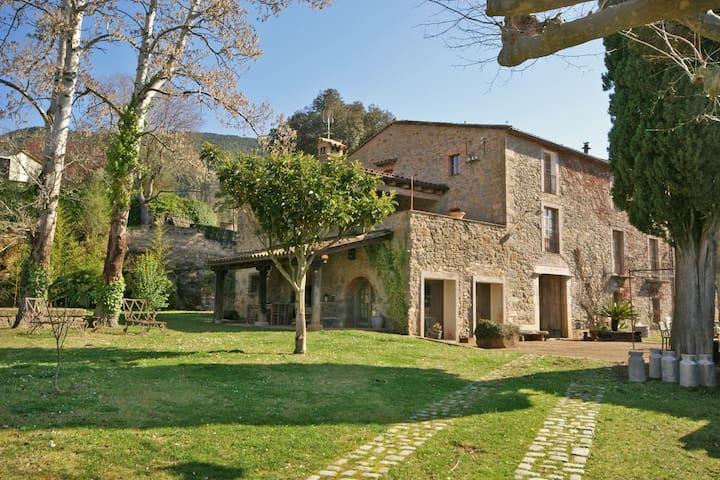 "Spectacular ""Masía"" near Girona - Sant Martí de Llémena - Huis"