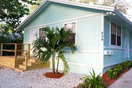 Charming 2BDR Apt-Walk Downtown, Minutes to Beach