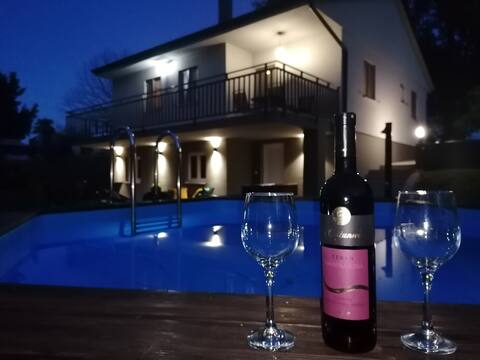 Villa Lana (enjoy your privacy)
