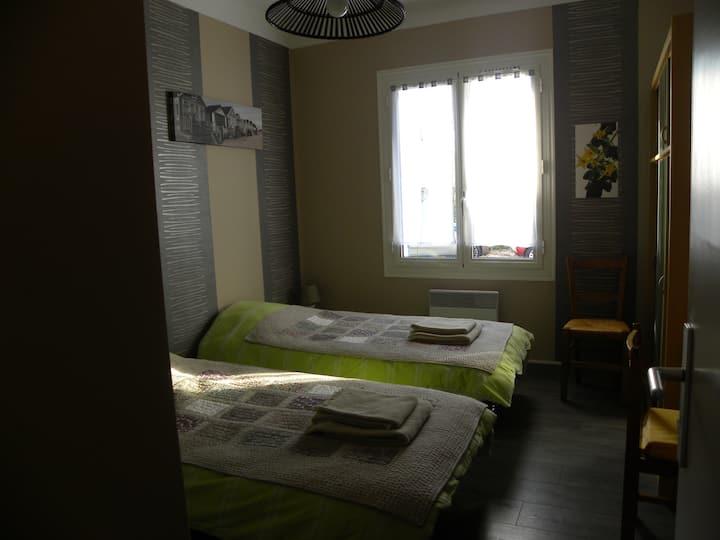 Agréable chambre dans villa dans un quartier calme