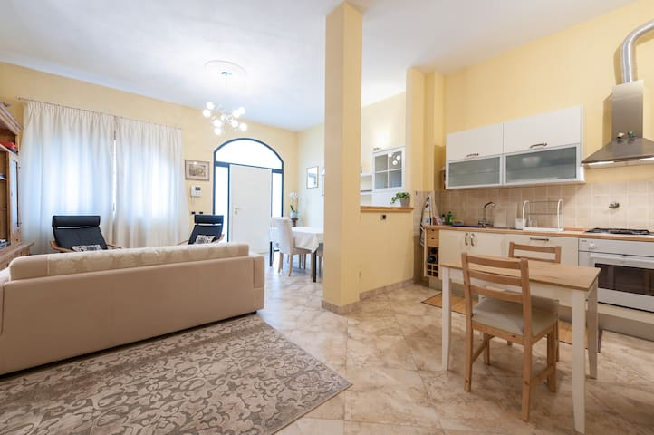 Quiet townhouse in the city center