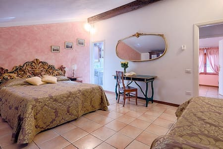 Donna nobile- rooom for 4 people - San Gimignano