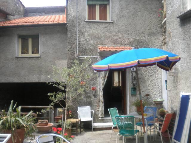 Casetta di montagna - Azzano - House