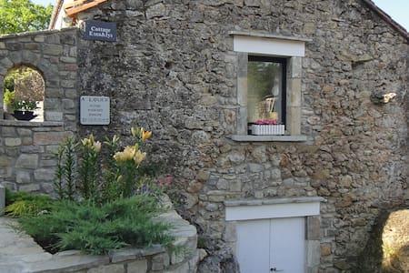 Cottage à LOUER  - LE CROS