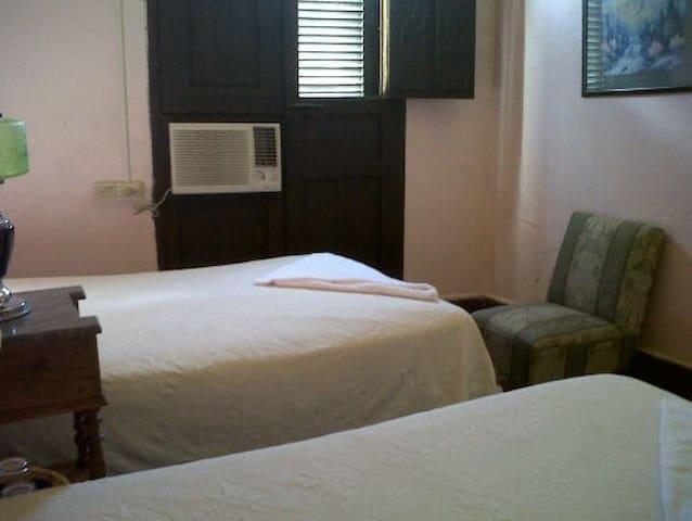 Hostal La Buganvilia Room 2 (Remedios)