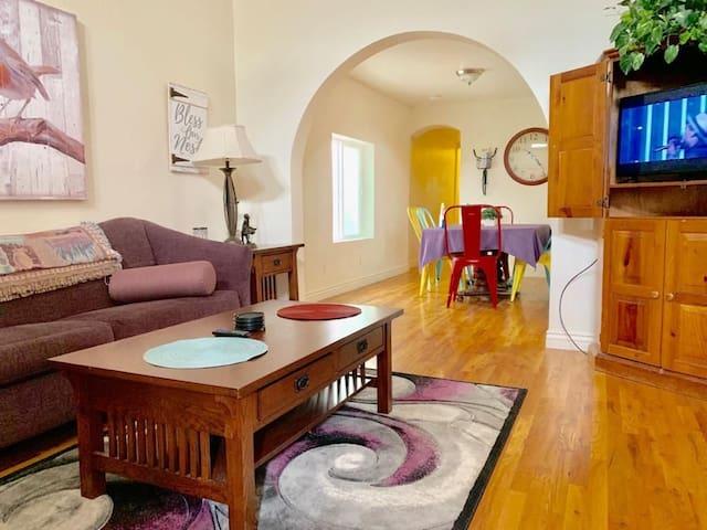 Charming home in trendy Denver Rhino!