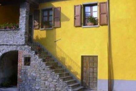 Casa di charme vicino alle 5 Terre - Castiglione Vara