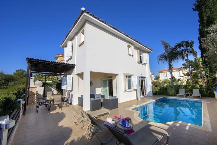 3 Bedroom Villa In the heart of Protaras