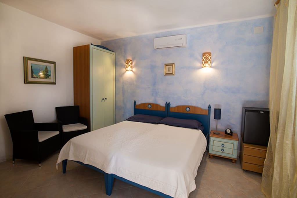 Camera ale b b mongiardino chambres d 39 h tes louer for Chambre hote ales