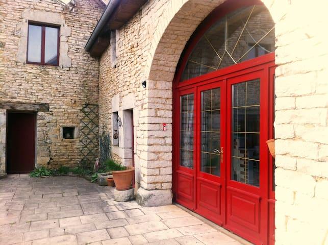 Le Porche Rouge - Chambre 2 Personnes - La Bretenière - Casa