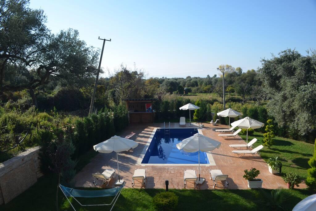 Villa apartments with pool 101 appartamenti in affitto for 3 piani della casa della camera da letto di storia 5