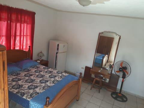 Habitación independiente y confortable