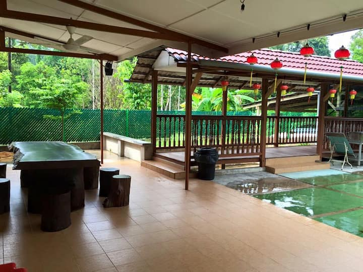 Sg Lembing Family Oriented Villa