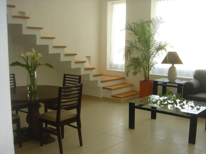 Departamento de dos pisos, Tranquilo y Agradable