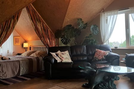 Countryside getaway close to Crover House hotel