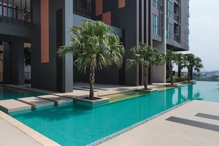 New 3BR Apartment near Impact - Pak Kret