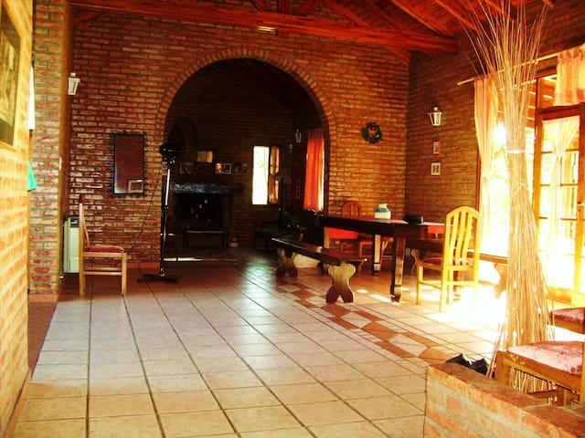 Hermosa casa en las Sierra Chicas