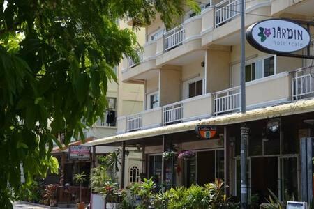 ผลการค้นหารูปภาพสำหรับ jardin hotel pattaya