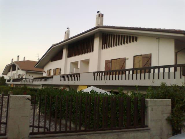Elegant attic in Rocca di Mezzo - Rocca di Mezzo - Apartment