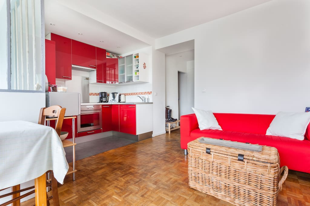 Nice and cosy flat with balcony appartements louer for Appartement atypique saint germain en laye