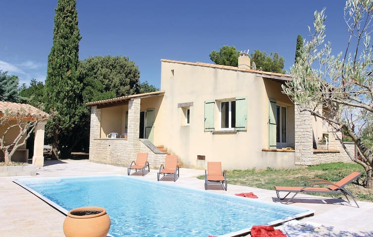 Holiday cottage with 3 bedrooms on 124 m² in Tulette