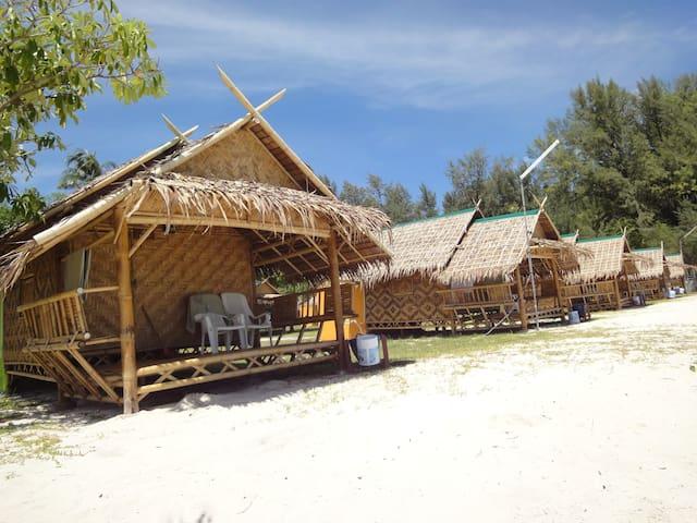 koh lipe varin village # fan on beach 1