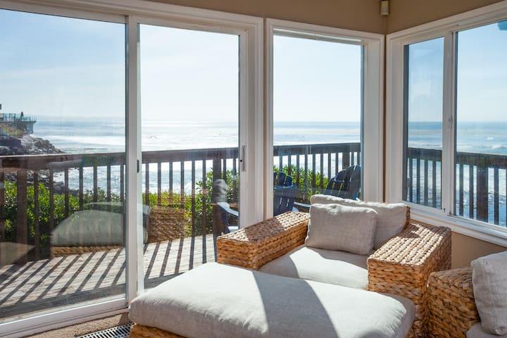 SPECTACULAR OCEAN VIEW!-PLEASURE POINT SURF HOUSE