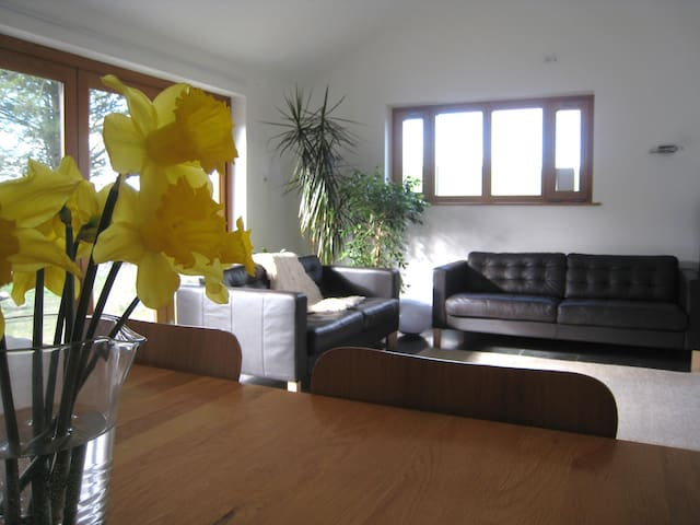 Modern Attic in Rural Home, Natland, Kendal (B&B) - Kendal - Casa