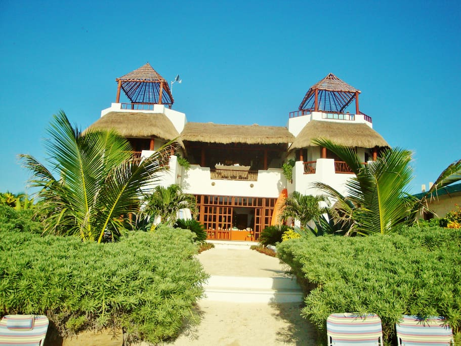 Secluded beach villa costa mahahual families villas for Villas quintana roo