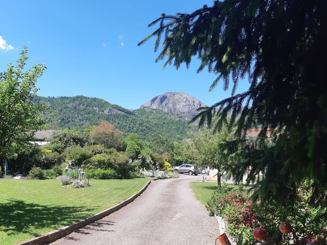 Gîte  champagne 2 pers  Banat - Tarascon Ariège