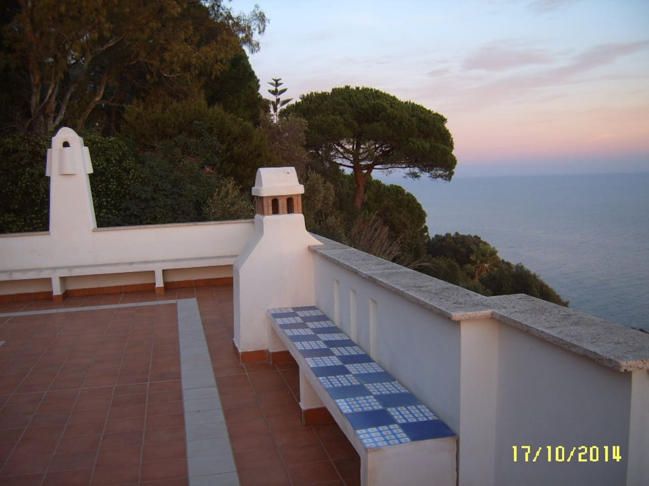 80 sqm terrace for 180° view on the sea.