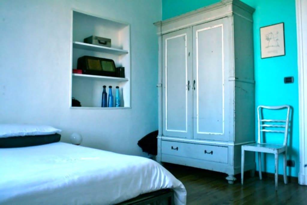 STANZA SPAZIOSA CON BAGNO PRIVATO - Appartamenti in affitto a Torino, Piemont...