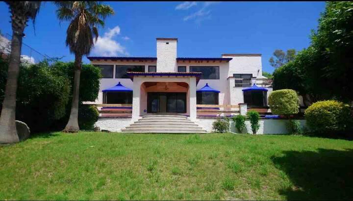 Casa de los Columpios - Estudio cama king