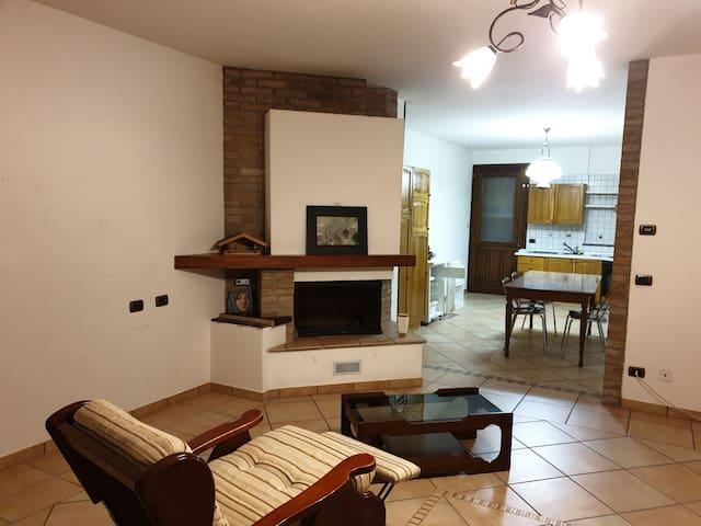 Cozy apartment in gorgeous countryside Castelvetro