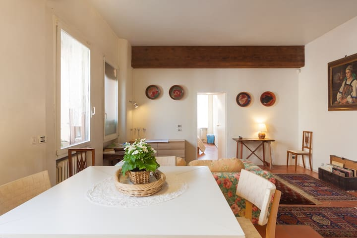 Verona Central House for 2/4 prsn - Verona - Huis