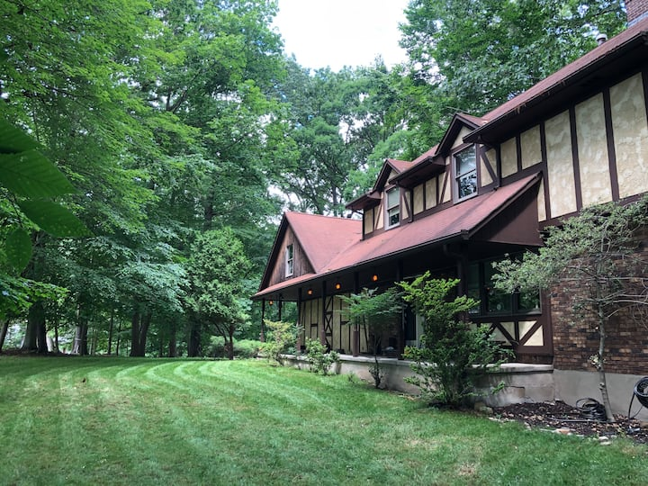Perfect Summer Home 25 Minutes North of NYC