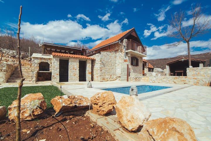Amazing true living Mountain House - Zagvozd - Huis