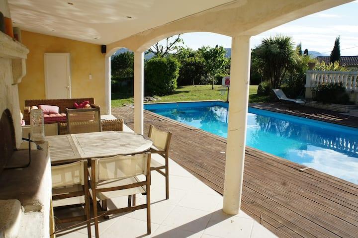Aubagne, agréable Maison de 130 m² + annexe 30m²
