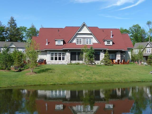 Beautiful Muskoka cottage