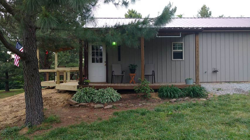 Shawnee Pines Lodging- Cute Studio