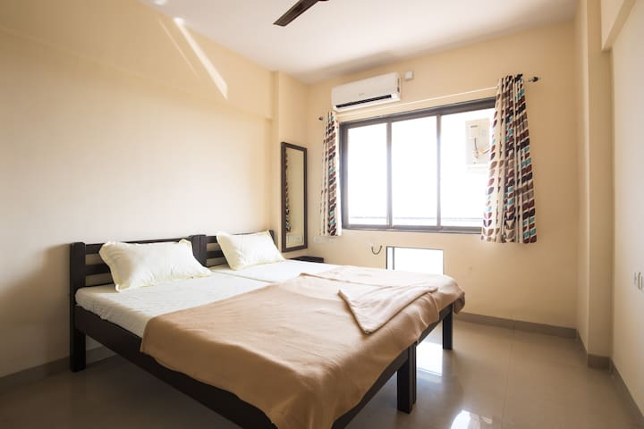 Luxurious 2BHK Homestay For All at Ribandar 202 - Ribandar - Huoneisto