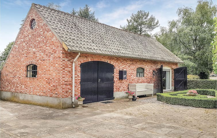 Awesome home in Valkenswaard with WiFi and 2 Bedrooms