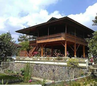 Ciwidey Villa /Homestay Rancabolang - Ciwidey - Rumah tumpangan alam semula jadi