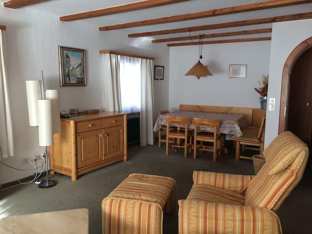 Grosszügige 4.5 Zimmerwohnung - Pontresina - Condominio
