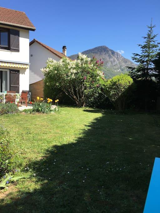 Maison avec jardin et piscine annecy le vieux maisons for Annecy maison a louer