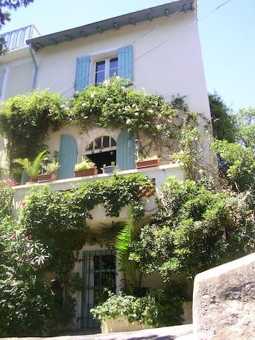 maison de village de charme - Villeneuve-lès-Avignon - House