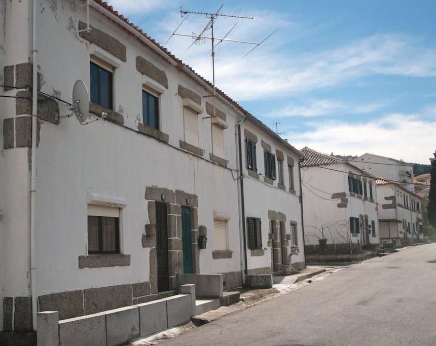 Casa exterior - parte da frente - Front of the house