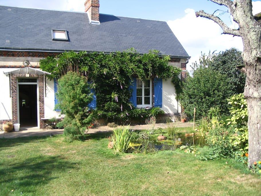 Chambre chez l 39 habitant guest houses louer cond sur iton normandie france - Location de chambre chez l habitant ...
