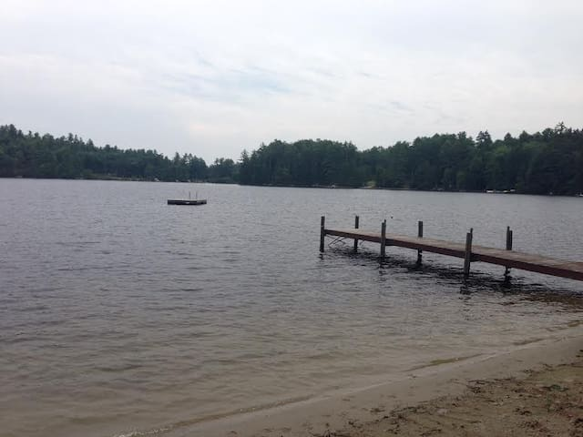 Lakefront Cabin (8 private acres)  - South Waterford - Stuga