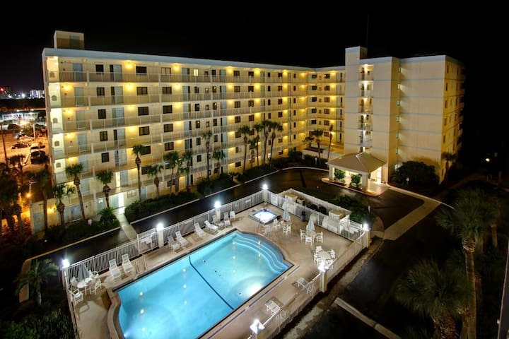 Direct Beach Access * Remodeled * 2 Balconies